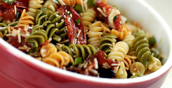 Pasta-salad-red bowl